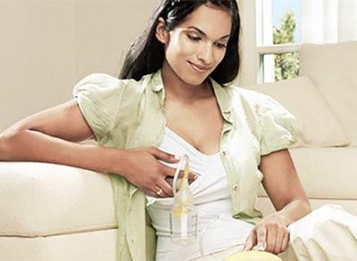 Tirer son lait avec un tire-lait électrique en location chez Condorcet Médical Baby
